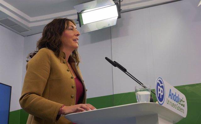 La secretaria general del PP-A, Loles López, informa de asuntos de actualidad de