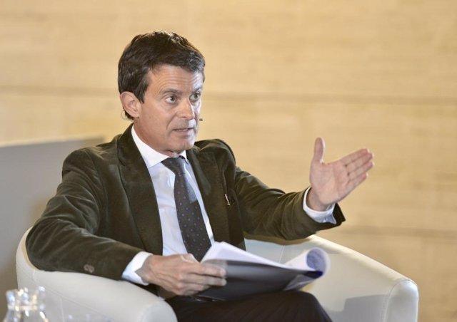 Valls propone estudiar el transporte público gratuito y abrir el Aeropuerto las