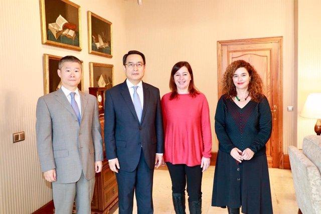 Armengol recibe en audiencia al embajador de China en España y a la cónsul gener