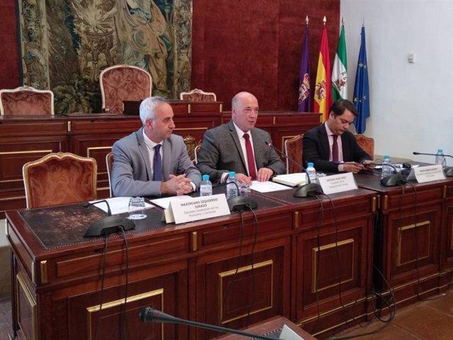 CórdobaÚnica.- Diputación suscribe convenios con los municipios para asistencia