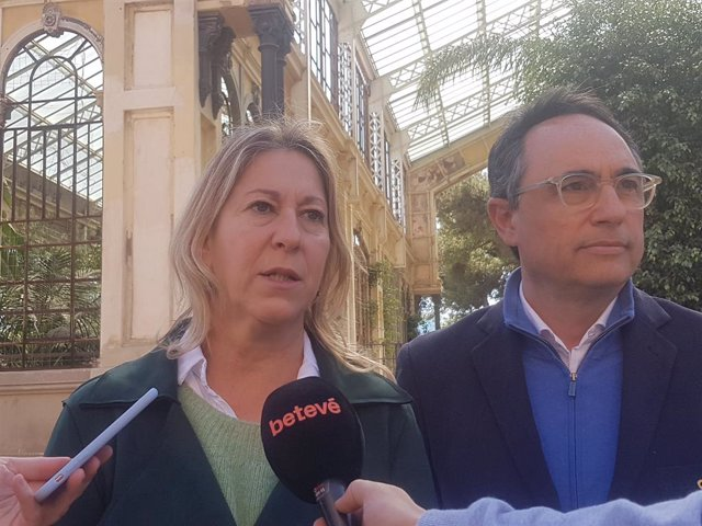 """El PDeCAT de Barcelona demana tornar a penjar el lla i condemnar el """"atac"""" para"""