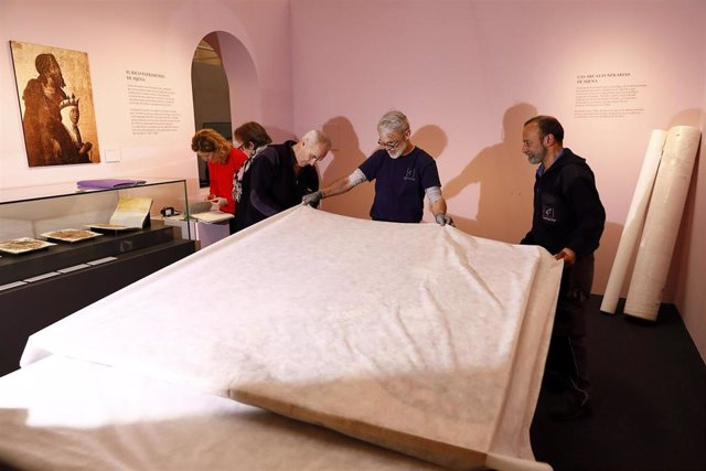 Más de 20.000 personas asisten a la exposición 'Panteones Reales' en la Sala de