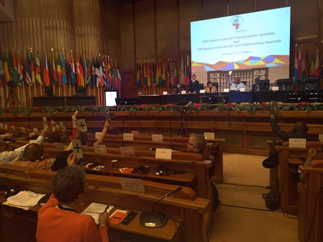 "Senra critica que la Asamblea de la UE-ACP no incluyese como objetivo ""la violac"