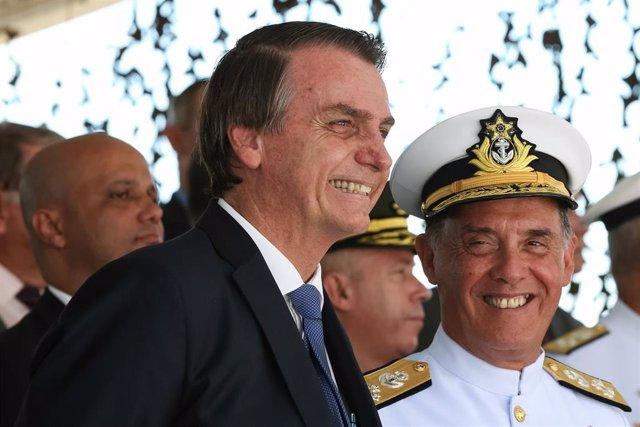 Bolsonaro, criticado en Brasil por una acusación falsa contra una reportera