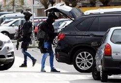 P.Baixos.- Detingut el presumpte autor del tiroteig a una estació de tramvia d'Utrecht (REUTERS / PIROSCHKA VAN DE WOUW)
