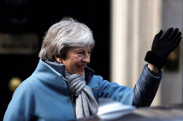 Brexit.- El Parlamento británico apoya la propuesta de May de pedir a la UE un a