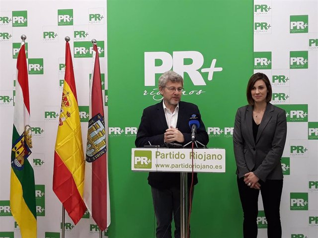 La concejala de UPyD, Raquel Cabrera, candidata del PR+ al Ayuntamiento de Larde