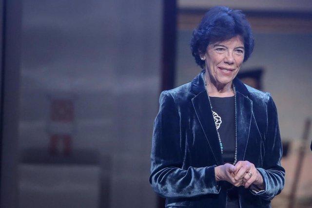 Celaá en la entrega de los Premios Francisco Giner de los Ríos a la mejora de la