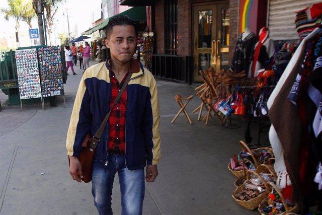 EEUU/México.- El primer grupo de migrantes mexicanos deportados se dispone a vol