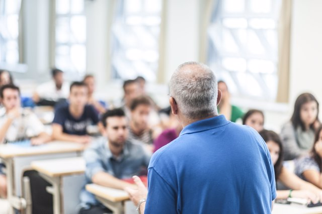 Impartición de una clase en la UPO