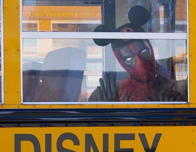 Ryan Reynolds celebra el acuerdo de Disney y Fox de la forma más Deadpool posibl