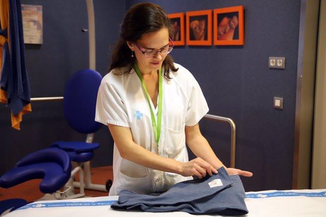 Una comadrona de Can Ruti diseña un cinturón con termoterapia para alivar la sen
