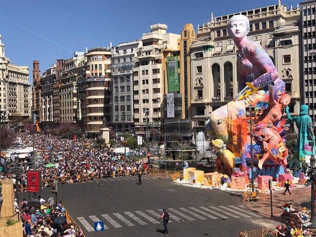 València roza los 30 grados y vive el segundo día más caluroso de Fallas desde 1