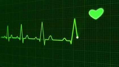 Un nuevo electrocardiograma usa señales del oído y la mano para verificar el ritmo cardiaco