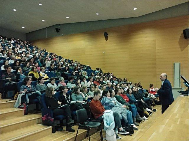 Més de 260 docents de Balears s'inscriuen en el cicle de conferències 'Diálog