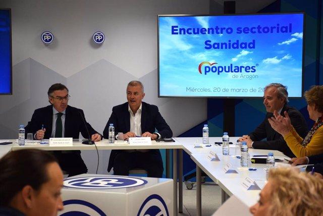 Beamonte plantea un pacto por la sanidad en Aragón con los pacientes y los profe