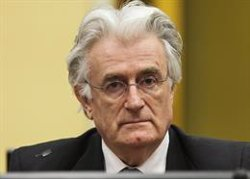 El tribunal de la Haia condemna a cadena perpètua l'exlíder serbi-bosnià Radovan Karadzic (MICHAEL KOOREN / REUTERS - Archivo)