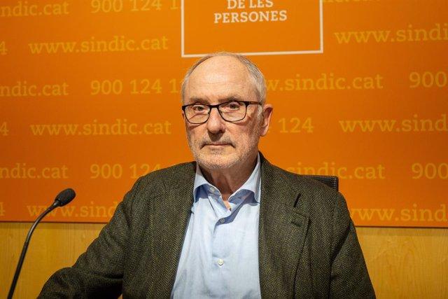 El Síndic de Greuges, Rafael Ribó, informa de la seva resolució sobre la presenc