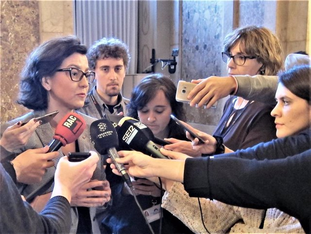 28A.- El PSC Confía En Que Torra Retire El Lazo Tras El Informe Del Síndic