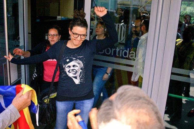 L'alcaldessa de Berga, Montse Venturós, en la seva sortida del jutjat