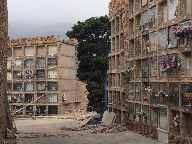Derrumbe de nichos en el cementerio de Montjuc
