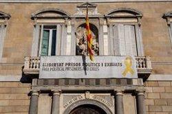 La Generalitat manté a les 9 hores la pancarta amb el llaç groc (EUROPA PRESS)
