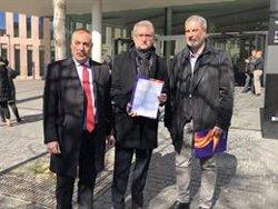 SCC i Advocats per la Constitució denuncien Torra davant de la Fiscalia per no retirar els llaços (EUROPA PRESS)