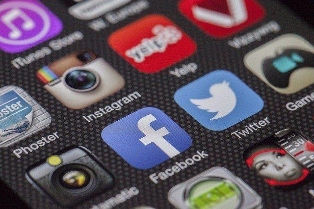 UE.- Bruselas pide a redes sociales que aclaren su control de publicidad polític