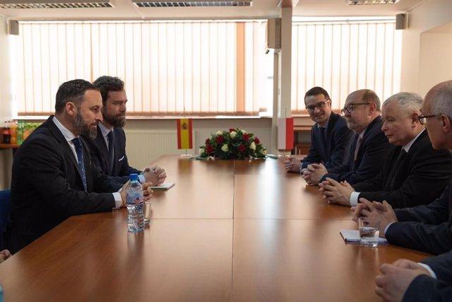 Abascal abordó en Polonia con Ley y Justicia una futura colaboración en el Parla