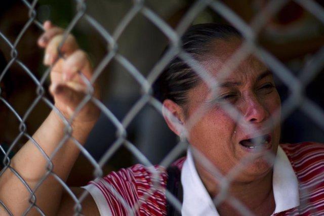 Familiar de reclusos en la Cárcel venezolana de Yare