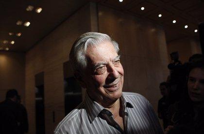 """Vargas Llosa ve """"en la mentira con apariencia de verdad"""" el """"gran problema"""" de la sociedad actual"""