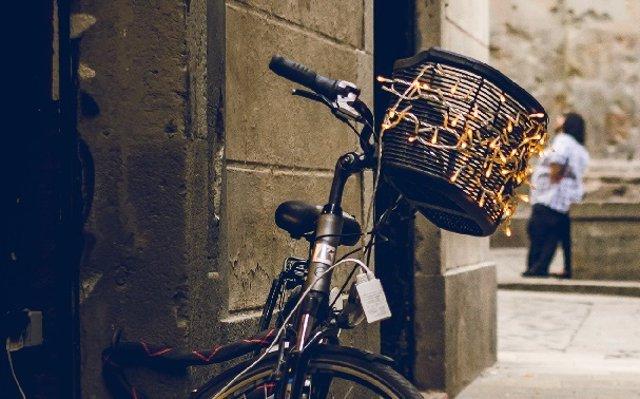 ¿Se Puede Vivir En El Barrio De Moda Sin Arruinarse?