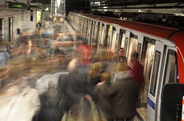 Andén de la L1 del Metro de Barcelona