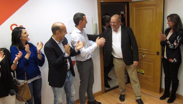 Dirigentes y diputados de Ciudadanos felicitan a Igea por su victoria en las pri
