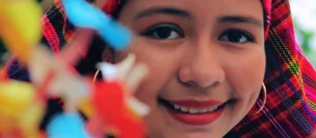 Fotograma de un documental sobre cooperación