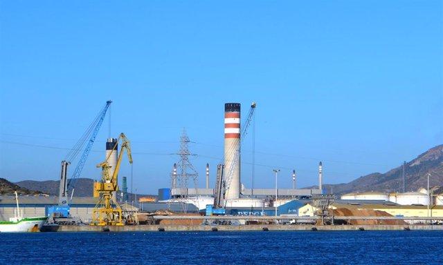 Tráfico de contenedores de mercancías en el Puerto de Cartagena