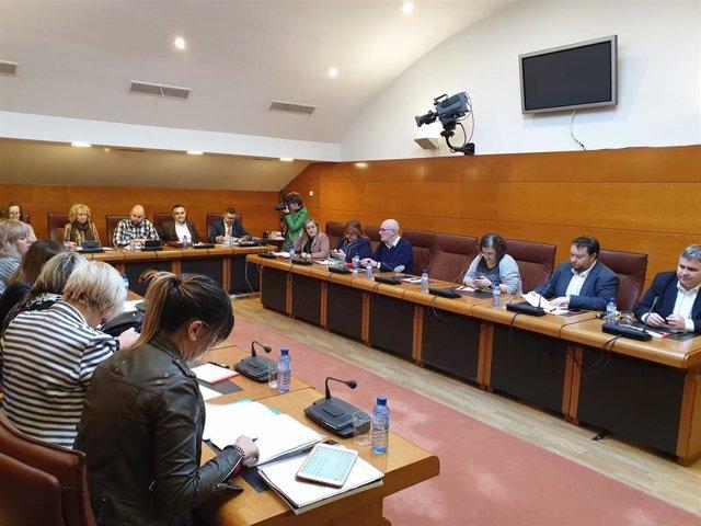 """Díaz Tezanos destaca que la legislatura ha sido """"importante"""" en políticas de inf"""