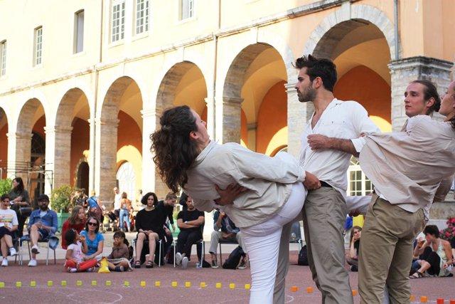 El coregraf Jordi Galí reivindica l'espai publico mitjanant una installació