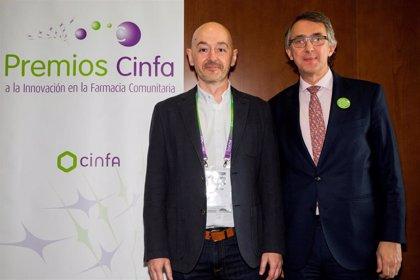 Empresas.- Los farmacéuticos Juan Carlos Merino, María Jesús Rolán y Andrés José Navarro, premiados por Cinfa