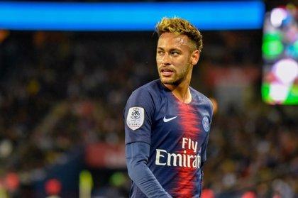 La UEFA abre expediente a Neymar por sus críticas a los árbitros tras la eliminatoria ante el United