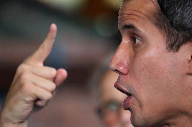 Venezuela.- Guaidó acusa a Maduro de detener a sus colaboradores porque no se at