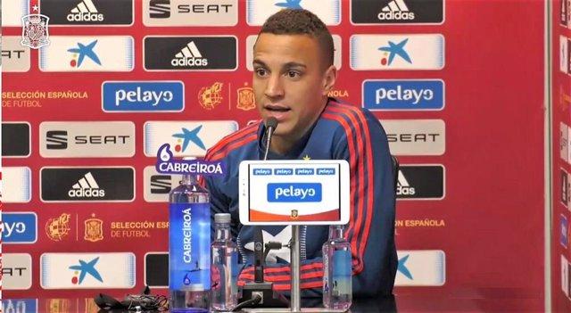 """Fútbol/Selección.- Rodrigo: """"No me considero el '9' de la selección, pero quiero"""