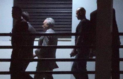 Temer guarda silencio en su primera comparecencia ante el juez tras ser detenido por corrupción