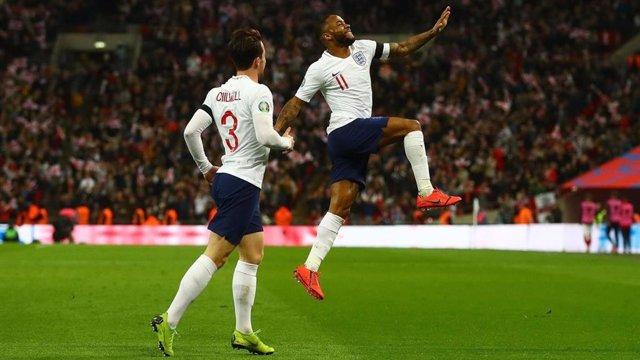 Fútbol/Eurocopa.- (Grupo A) Un 'hat-trick' de Sterling desmorona a la República