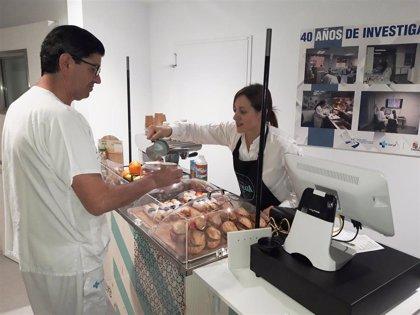 """Un """"carrito"""" de comida y bebida recorre el Clínico de Valladolid y fomenta """"buenos hábitos"""""""