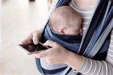 Foto: 'Deja el móvil', la campaña que anima a los padres a despegarse de las pantallas