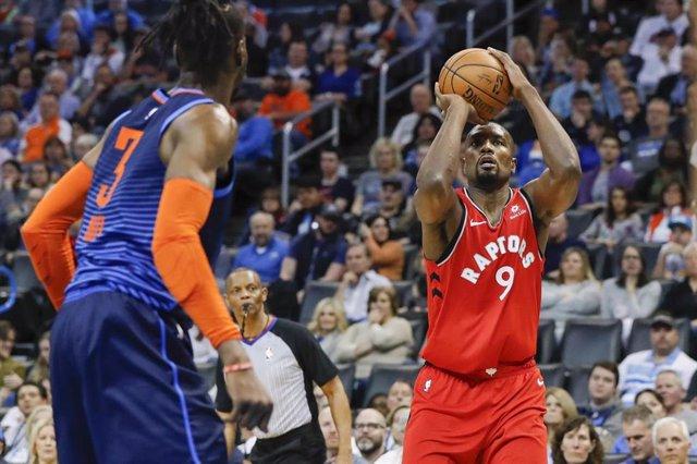 Baloncesto/NBA.- Ibaka reaparece con victoria y los Jazz siguen disparados hacia