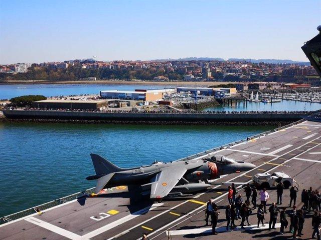 """La Armada Española agradece la """"gran acogida"""" ofrecida al portaaviones Juan Carl"""