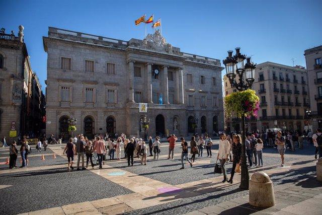 """Barcelona obre una web de """"benvinguda al talent internacional"""" amb informació so"""