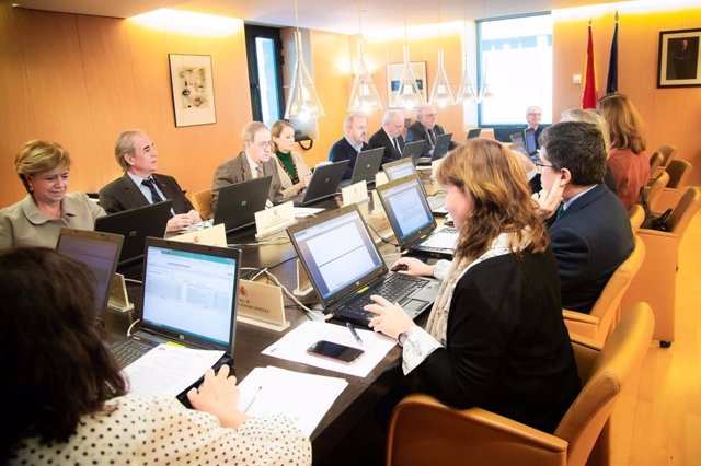 28A.- La JEC frena el reconeixement de les coalicions de Junts per Catalunya i C